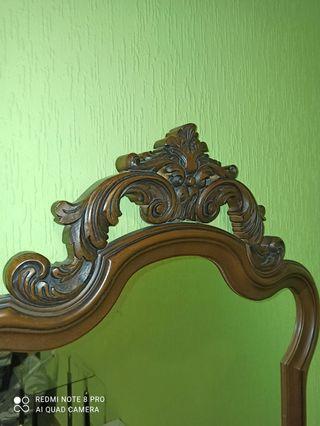 Espejo antiguo de madera noble.