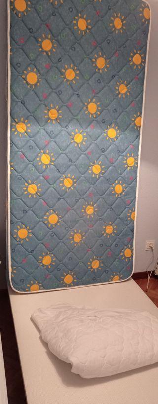 colchón, base tapizada y cubre colchón