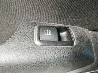 Guarnecido puerta trasera izquierda Mercedes Clase