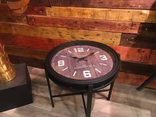 Mesa Reloj metálica