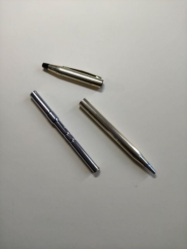 Bolígrafo cross oro 10 kt. No funciona.