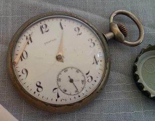Reloj antiguo de bolsillo.