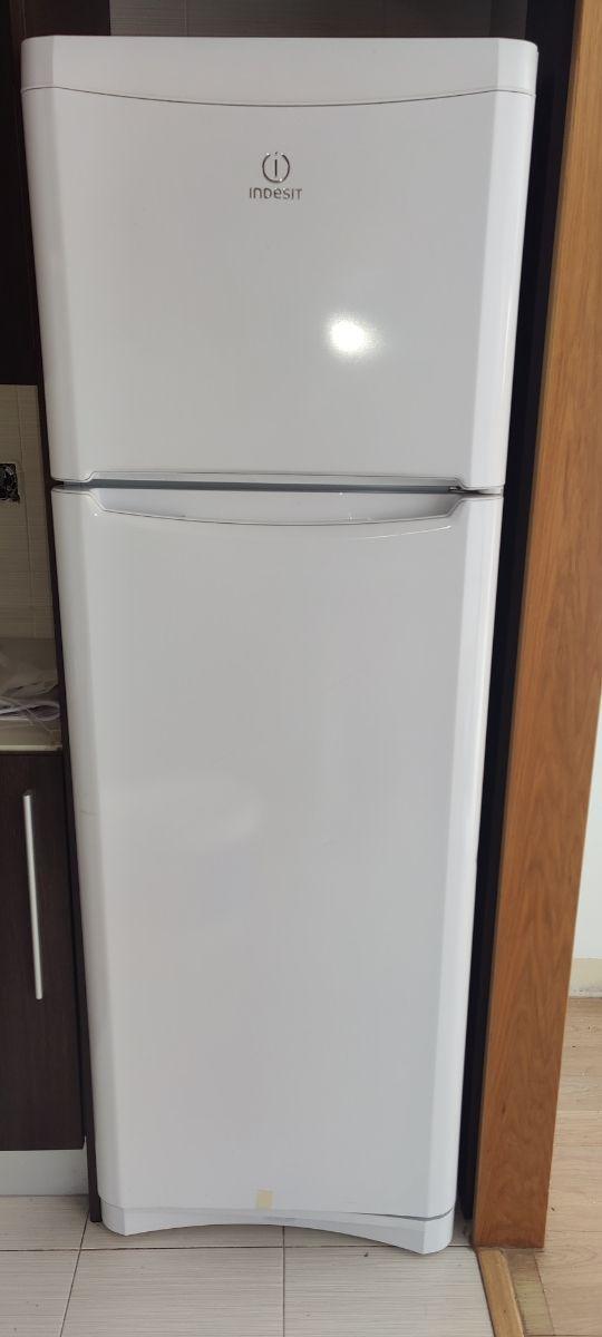 frigorífico Indesit 175cm
