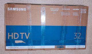 "TV HD Samsung 32"" 80cm / 4 series / M4000 class."
