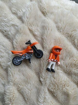 Playmobil 4698. Niño con moto