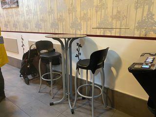 Lote 2 mesas y 10 sillas