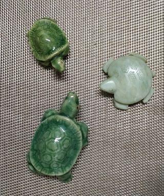 Lote 3 figuritas de cerámica y piedra