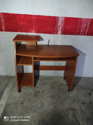sofá estanterias ,escritorio