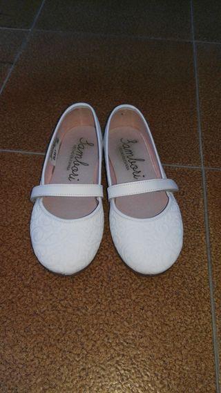 Zapatos bailarinas niña en blanco, n. 30.