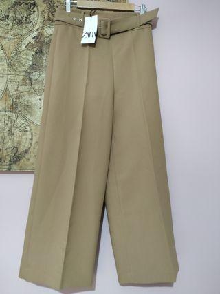 Pantalón cinturón de Zara