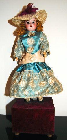Muñeca Antigua Lehmann Porcelana. Caja de Música.