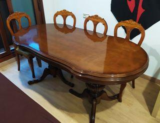 Mesa con 4 sillas de madera vintage