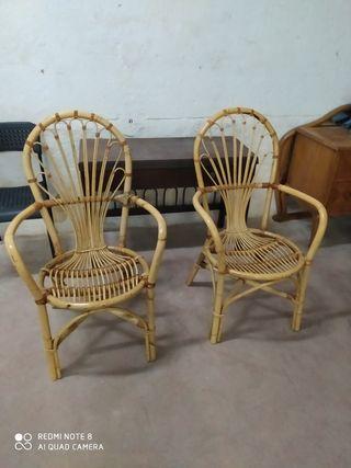 sillas de mimbre y nutaca