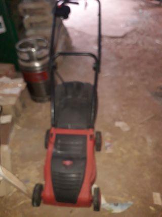 cortadora de césped y desbrozadora eléctricas