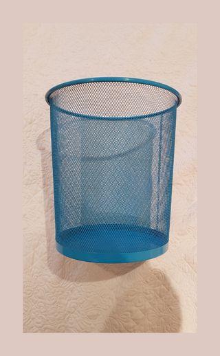 Papelera cubo reciclaje
