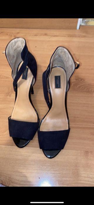 Sandalia negra tacón de aguja 11cm