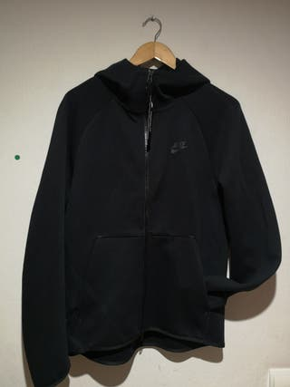 chaqueta Nike tech pack negra