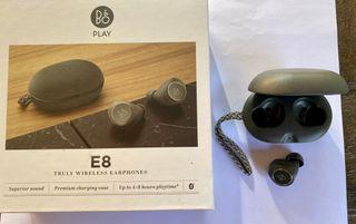 Auricular Bang Olufsen Beoplay E8+Estuche de cuero