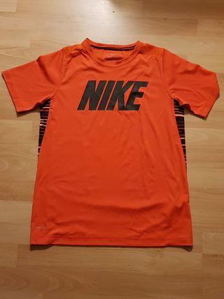 Camiseta deportiva Nike. 13-15 años
