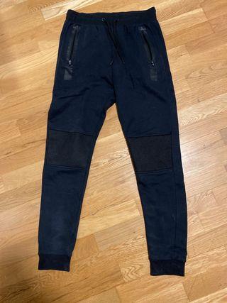 Pantalón negro chándal ( precio negociable )