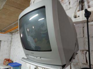 tele pequeña + soporte