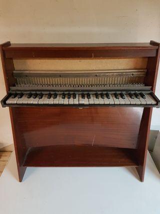 órgano piano niño antiguo