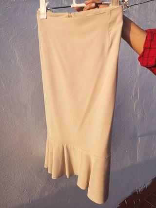 Falda piel de melocotón con volante