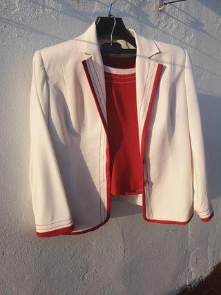 Traje pantalón y chaqueta rojo