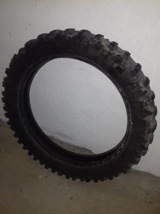 Neumático mitas 120-90-18 enduro raya verde.
