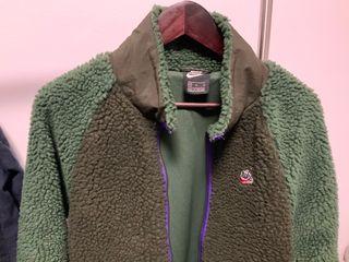 Nike chaqueta con pelo