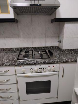 conjunto de horno, placa de cocina y extractor