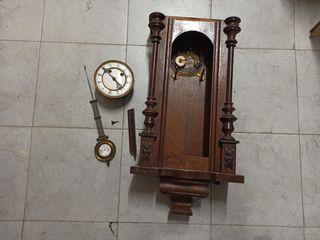 antiguo reloj de pared, original
