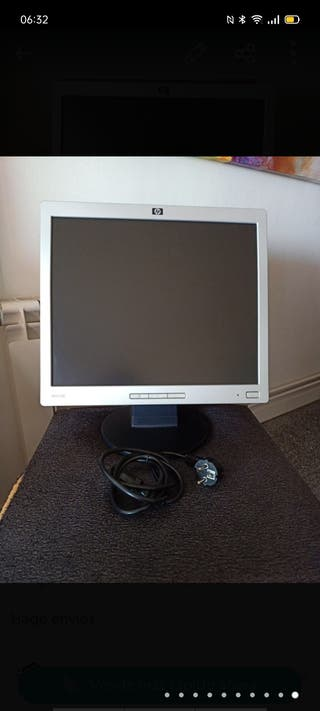 """Monitor de 17""""Marca HP."""