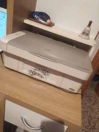 Impresora de la marca EPSON modelo: stylus DX3800.