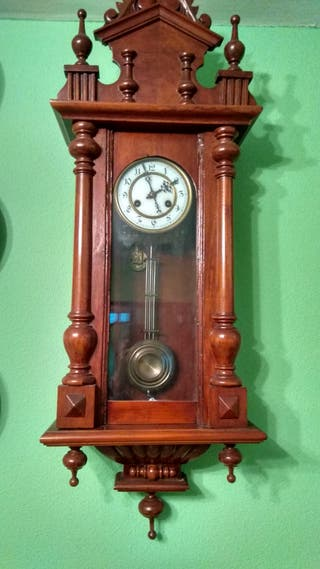 Reloj de pared con sonería del XIX