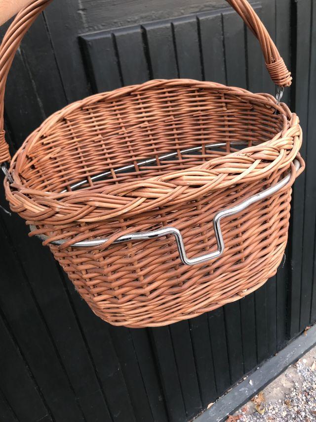 Cesta bici mimbre (no plástico)