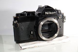 Nikon FM cuerpo Negro