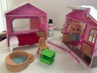 muñeca y casa barrigeta