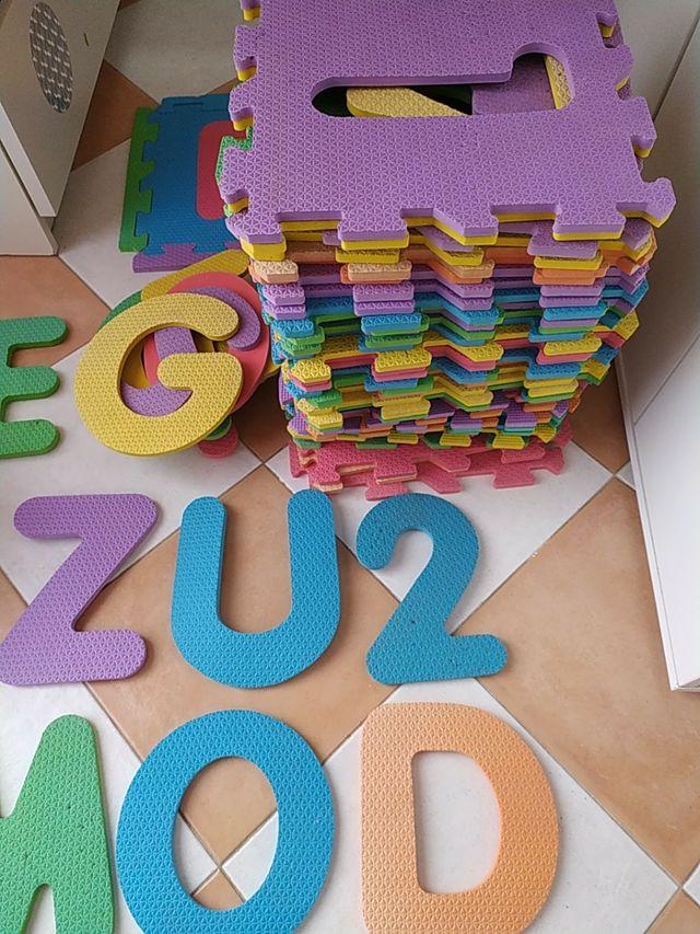 alfombra puzzle de 41 piezas
