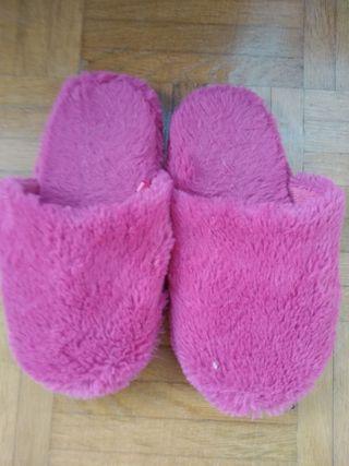 Zapatillas de casa. talla 28-29.