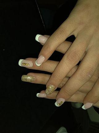 uñas manicura acrílica francésa