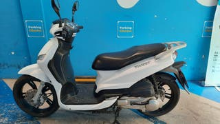 Peugeot Tweet 125cc Biplaza