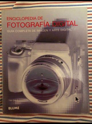 Libro enciclopedia de fotografía y arte digital