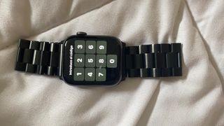 Apple watch serie 4 nike