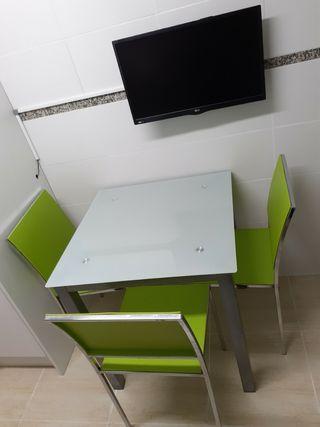 mesa cocina con 3 sillas