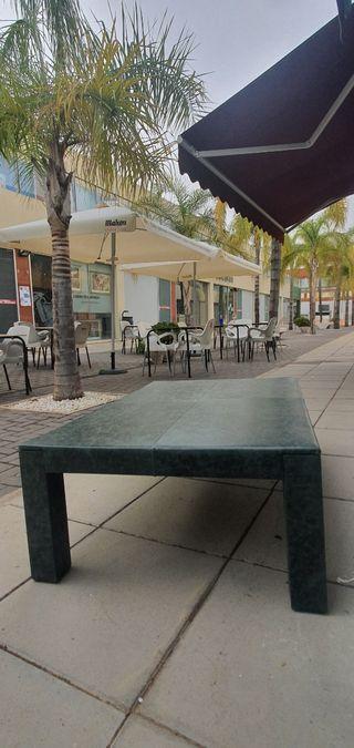 Una mesa de centro única ( Cuero Italiano)