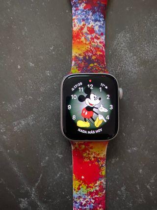 Apple Watch Series 4 GPS 44mm Aluminio Plata