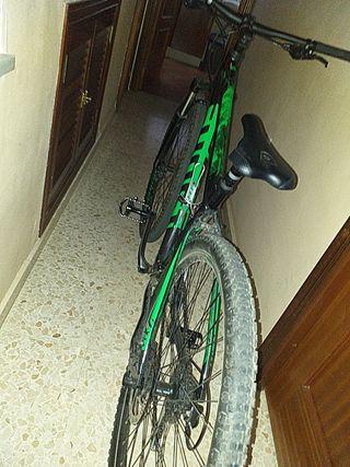 bicicleta ghost kato 2.9 mountain bike