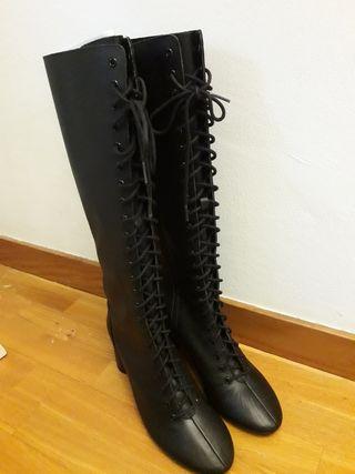 Botas de Piel Negras cordón