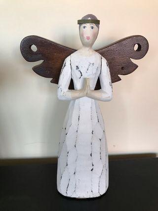 Figura angel madera